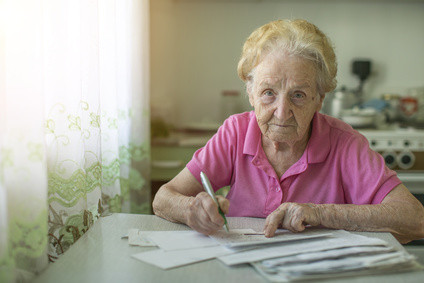 Tips For Helping Seniors Budget on a Fixed Income