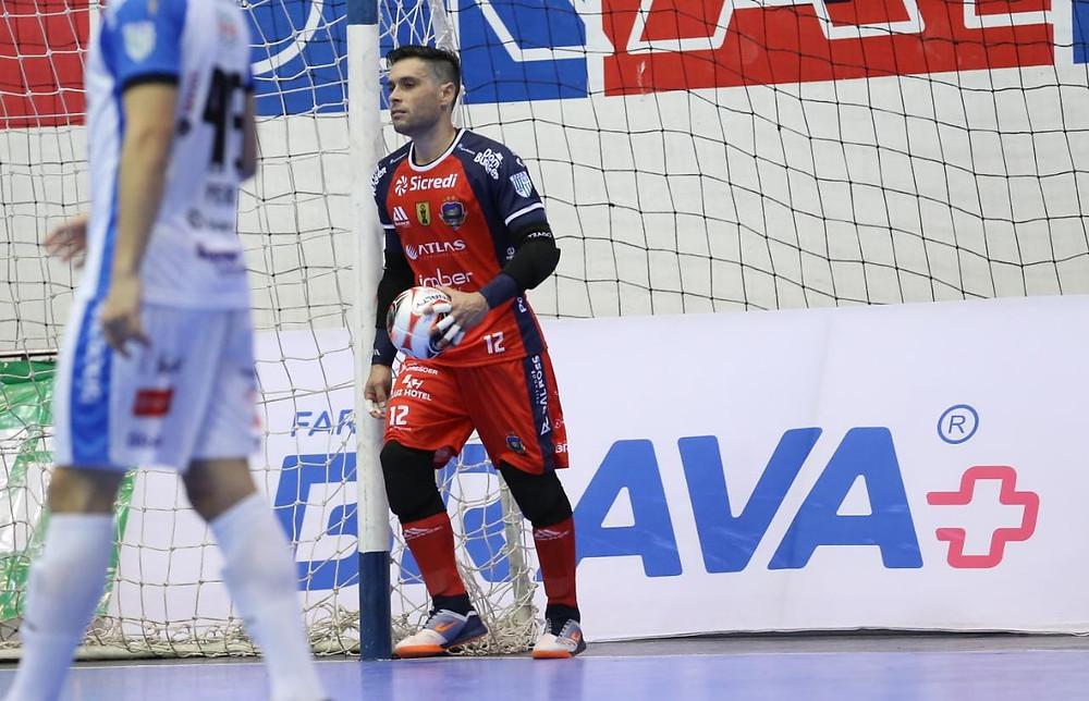 Crédito: Mauricio Moreira - Tiago fez sua estreia com a camisa do Pato Futsal