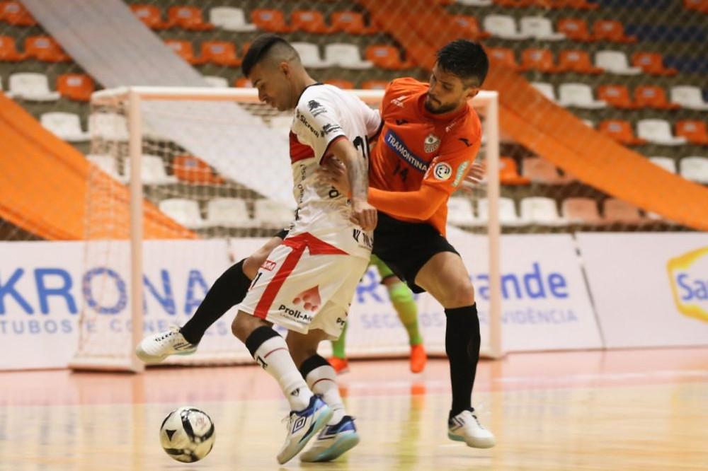 Crédito: Ulisses Castro - ACBF saiu na frente, sofreu a virada, mas buscou o empate.