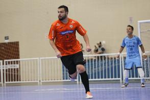 Keko trabalha para se readaptar ao futsal brasileiro