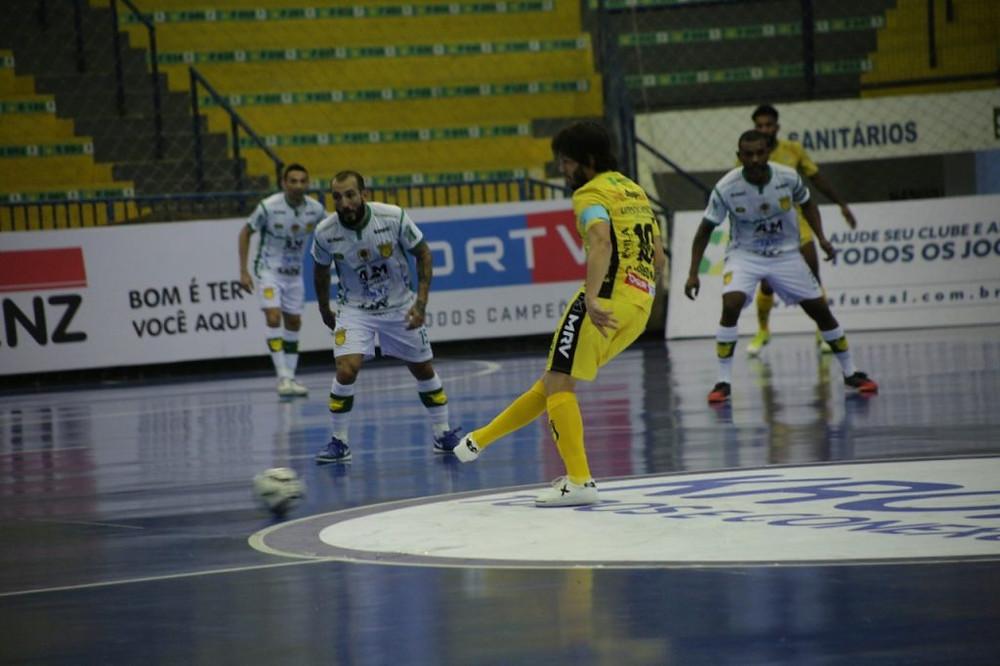 Crédito: Simoni Helfer Assoeva - Assoeva arrancou vitória no minuto final e venceu o Jaraguá por 4 a 3