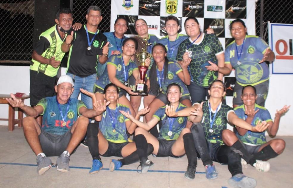 Crédito: Rosivaldo Nascimento/Arquivo Pessoal - Estrelas surpreendeu as favoritas e venceu seu primeiro campeonato logo na estreia