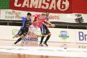 Pato vence o Atlântico e já está na final da Supercopa Magnus de Futsal