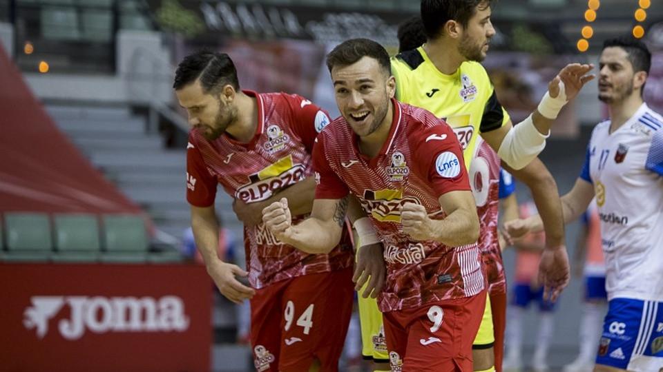 Crédito: Pascu Méndez - Jogadores do ElPozo Murcia Costa Cálida comemoram classificação
