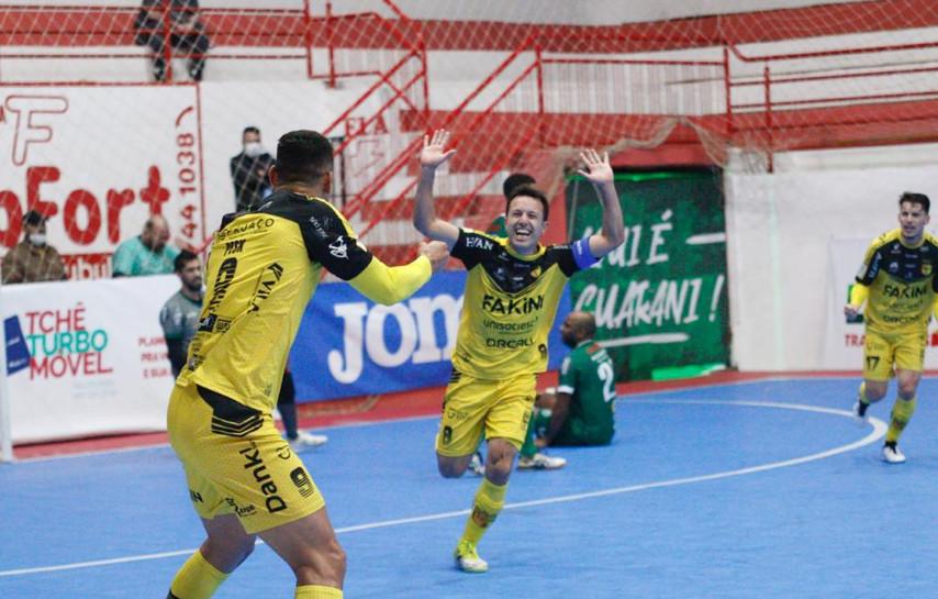 Jaraguá Futsal supera Guarani e se aproxima de vaga na Copa do Brasil Sicredi
