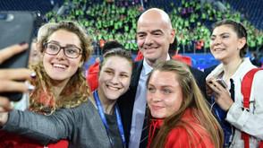 FIFA convoca voluntários para Mundial