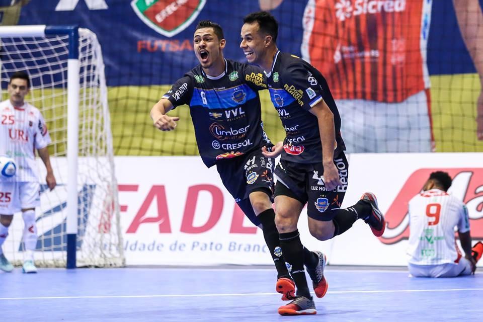 Crédito: Mauricio Moreira - Ernandes teve grande atuação na final da LNF2018 e conquistou a competição com o Pato