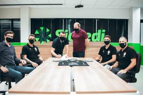 Joinville e Sicredi renovam parceria