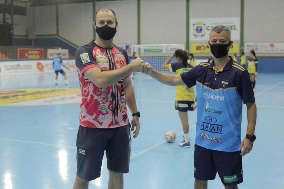 Crédito: Arquivo Pessoal - Cassiano Klein e Marcio Coelho são treinadores e amigos, mas já estiveram em lados opostos
