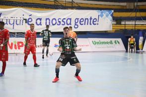 Após derrota na estreia, Serginho marca dois jogos-treino para o Marreco