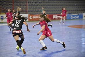 Leoas da Serra estreiam no Campeonato Estadual em busca do tricampeonato