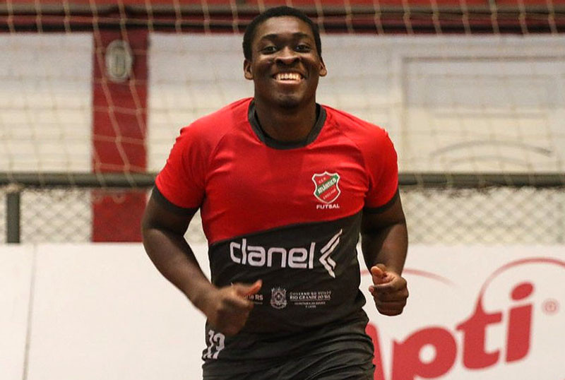 Crédito: Edson Castro - Pivô de 22 anos fez 15 jogos e 5 gols pelo Galo em 2020