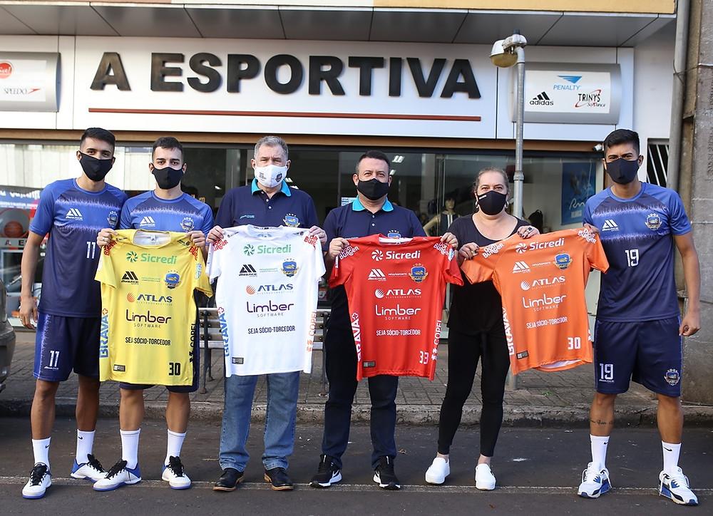 Crédito: Mauricio Moreira - João Lucas, Mazetto, Alcir Camozzato, Natália Arzianello, Giovani Geron e Felipinho