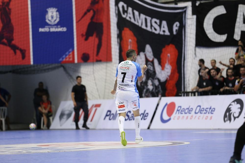 Crédito: Mauricio Moreira - Ala Thiaguinho é uma das novidades do Pato Futsal para o confronto