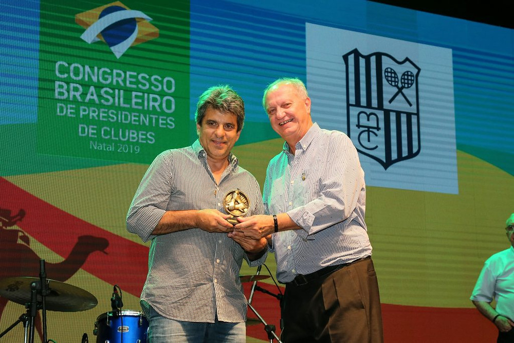 Crédito: Divulgação Fenaclubes - Na cerimônia de premiação, o Minas foi representado pelo Diretor de Judô, Euler Barbosa