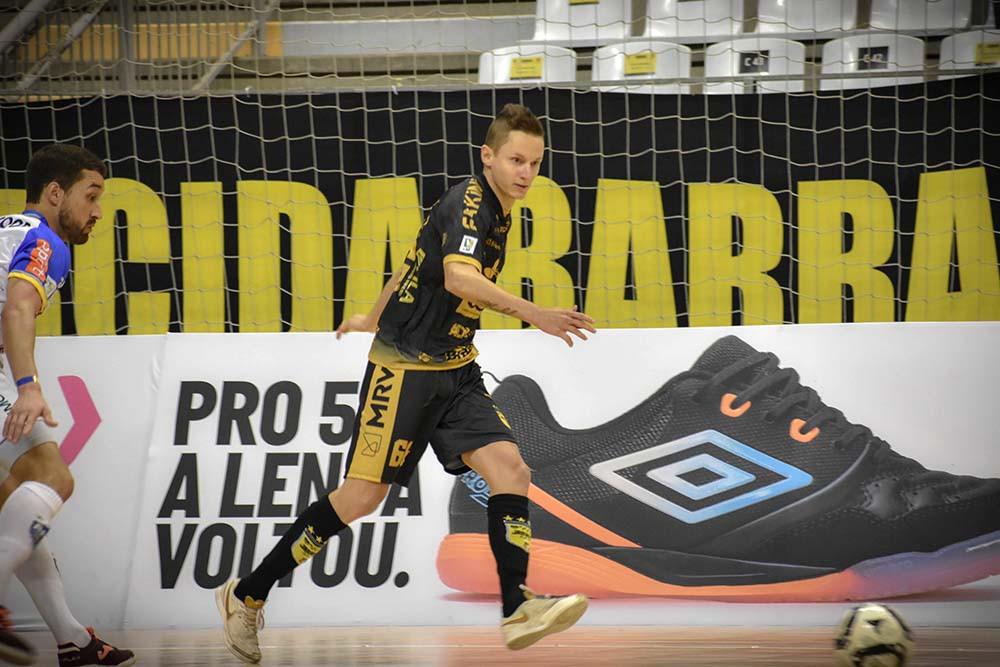 Crédito: Paulo Sauer - Éder está lesionado e não voltaria para o final da temporada.