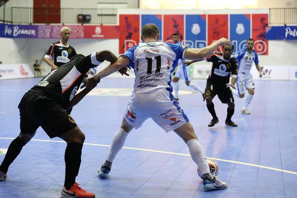 Crédito: Mauricio Moreira - Pato Futsal na frente pela Copa do Brasil Sicredi