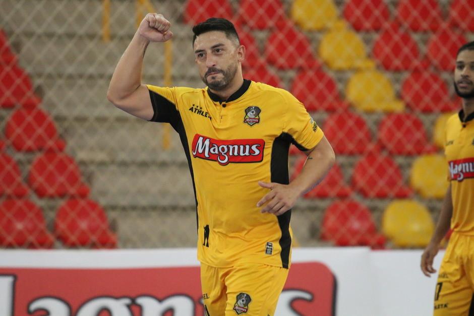 Crédito: Guilherme Mansuetto - Estreante Sinoê marcou dois gols na vitória por 3 a 1 nesta quinta (25)