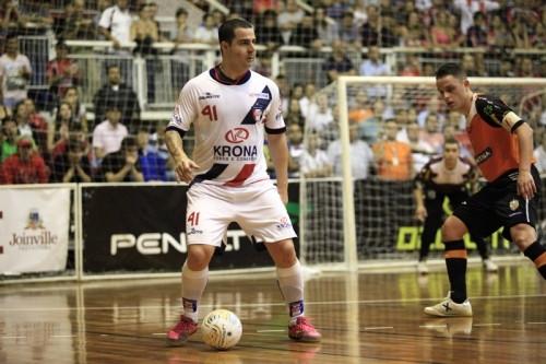 Crédito: Carlos Júnior - Vander Carioca foi artilheiro da Liga Futsal em 2013, pelo Joinville