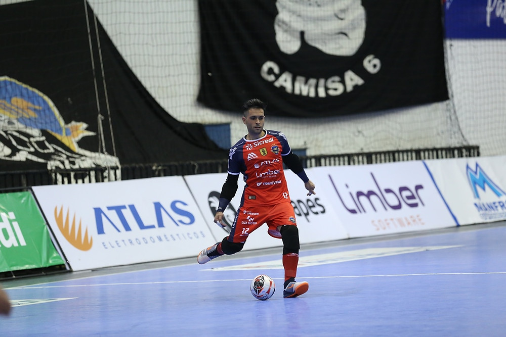 Crédito: Mauricio Moreira - Pato venceu o jogo de ida na estreia do goleiro Tiago
