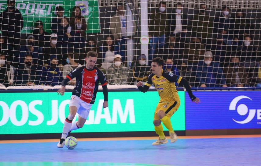 Taça Brasil Sicredi de Futsal em Dourados conhece três classificados à semifinal