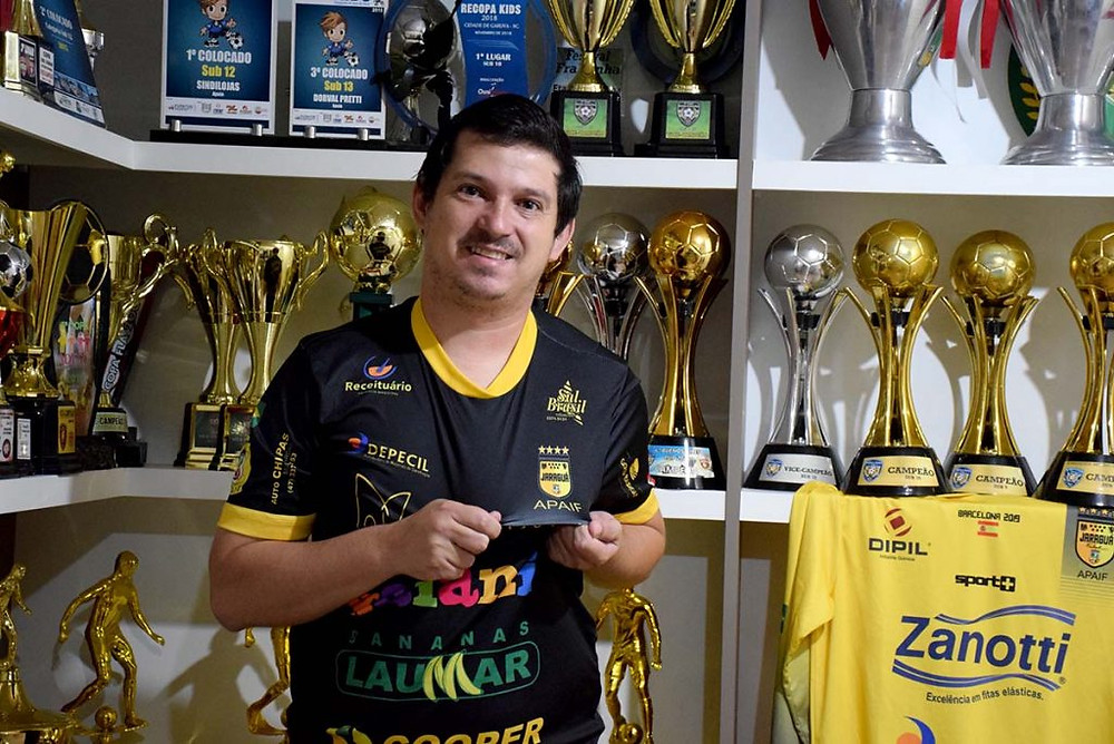 Crédito: Lucas Pavin - Troféus das categorias de base do Jaraguá