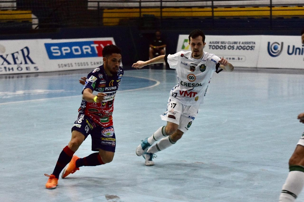 Crédito: Adolfo Pegoraro - Cascavel virou o jogo nos segundos finais contra o Marreco