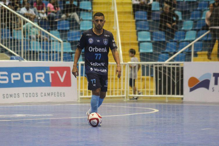 Crédito: Iully Ribeiro - Pakito, estava em quadra na vitória sobre o Marreco (PR), que classificou o Tubarão (SC) para as quartas de final da Liga Futsal 2019