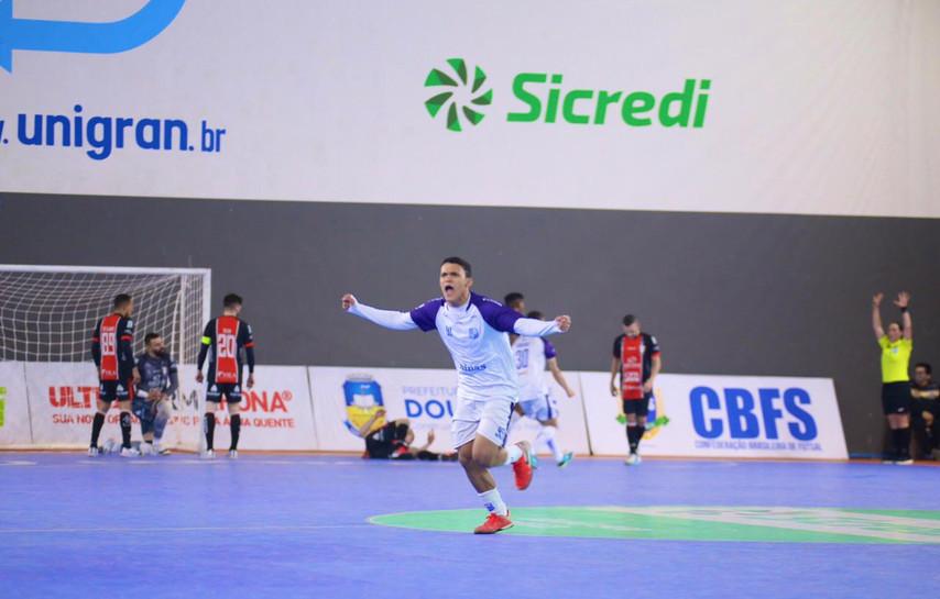 Minas é superado na semifinal da Taça Brasil Sicredi  2021 de Futsal e se despede da competição
