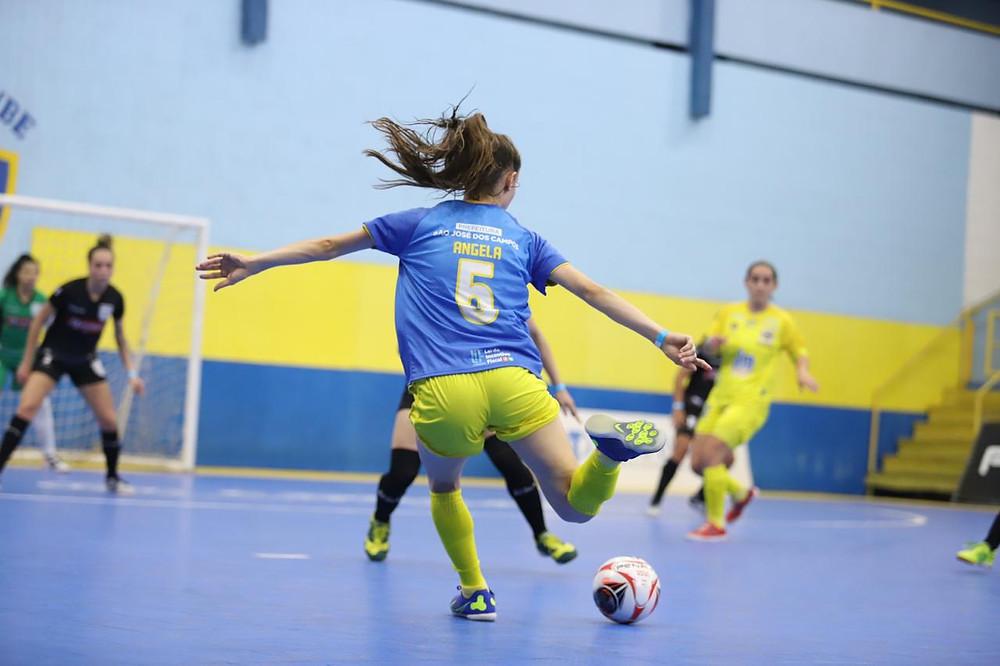 Crédito: Yuri Gomes - São José Futsal Feminino ariscou com goleiro, mas ficou no empate