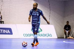 Ala/pivô Tom reforça o Campo Mourão para a sequência da temporada