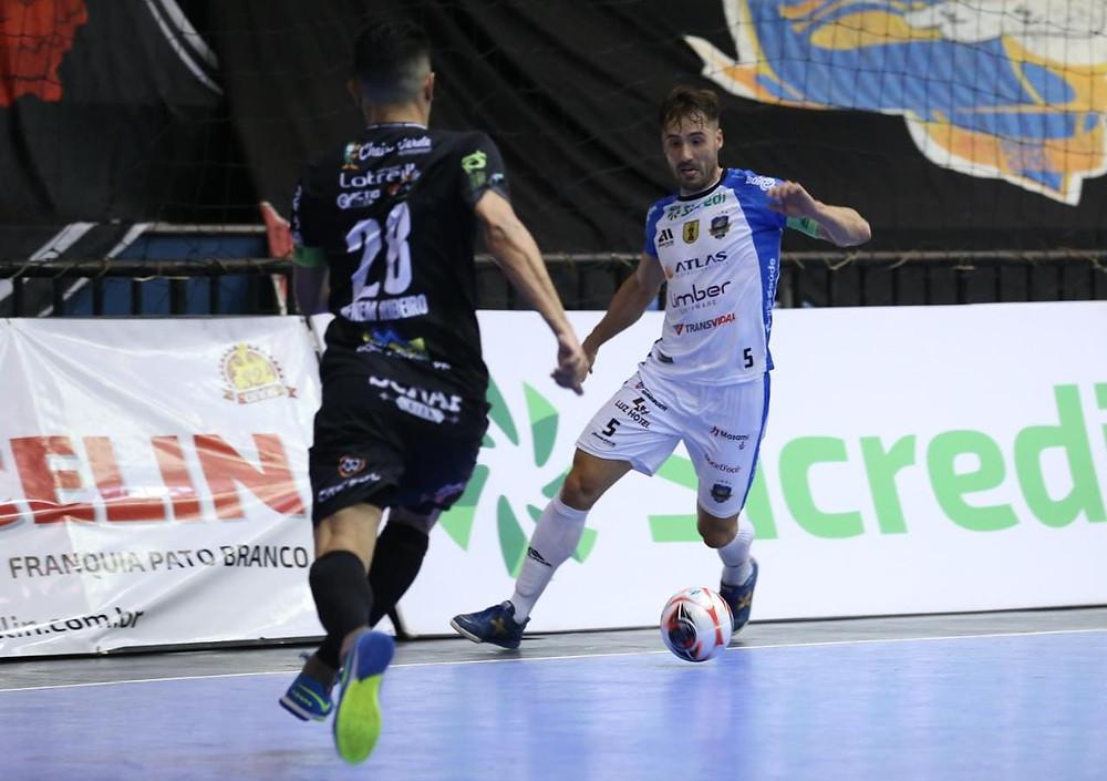 Crédito: Mauricio Moreira - Pato Futsal leva vantagem do empate para Dois Vizinhos