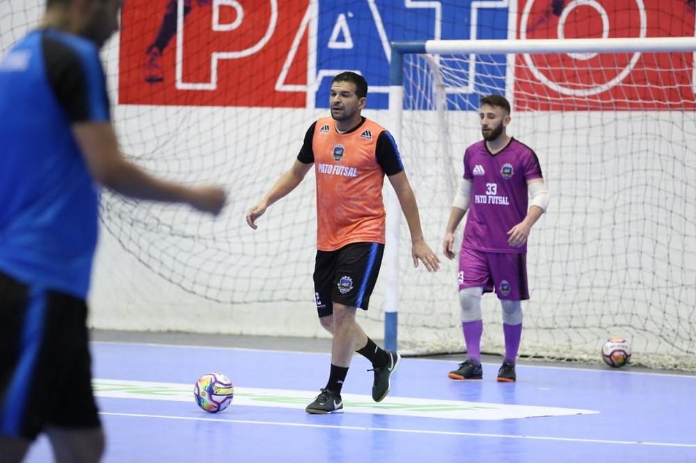 Crédito: Mauricio Moreira - Valença defende o Pato Futsal pela primeira vez na carreira