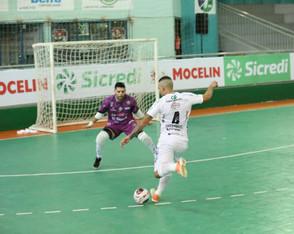 Pato Futsal é superado pelo Dois Vizinhos fora de casa