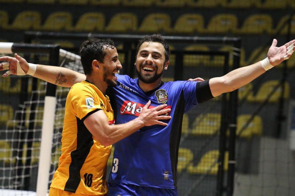 Crédito: Guilherme Mansueto - O goleiro Lucas Oliveira marcou duas vezes na vitória do Magnus