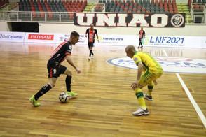 Joinville vence Assoeva na estreia das equipes pelo grupo B