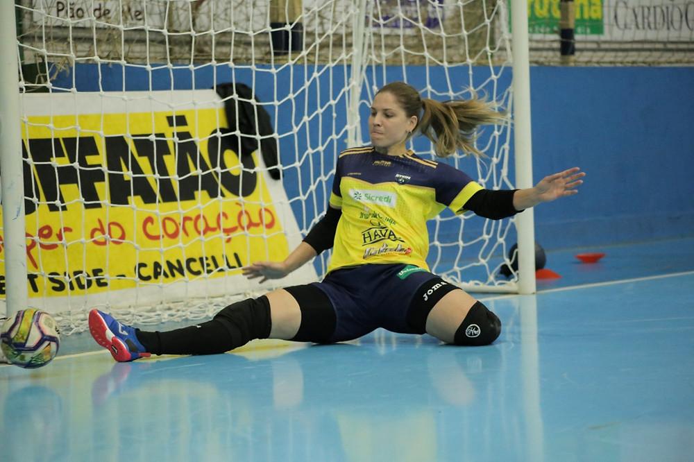Crédito: Marcos Pí - Bianca, a nova goleira do Stein Cascavel