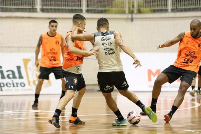 Crédito: Juliano Schimdt - Com base do elenco da última temporada, Joinville mantém entrosamento entre jogadores.