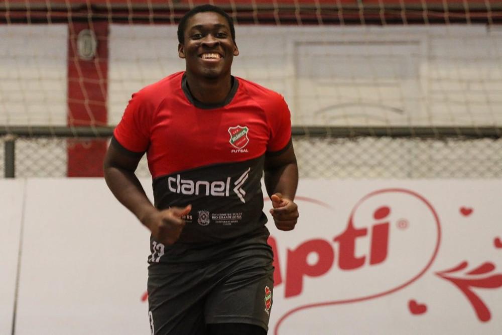 Crédito: Edson Castro - Pivô Dill chegou ao Atlântico nessa temporada