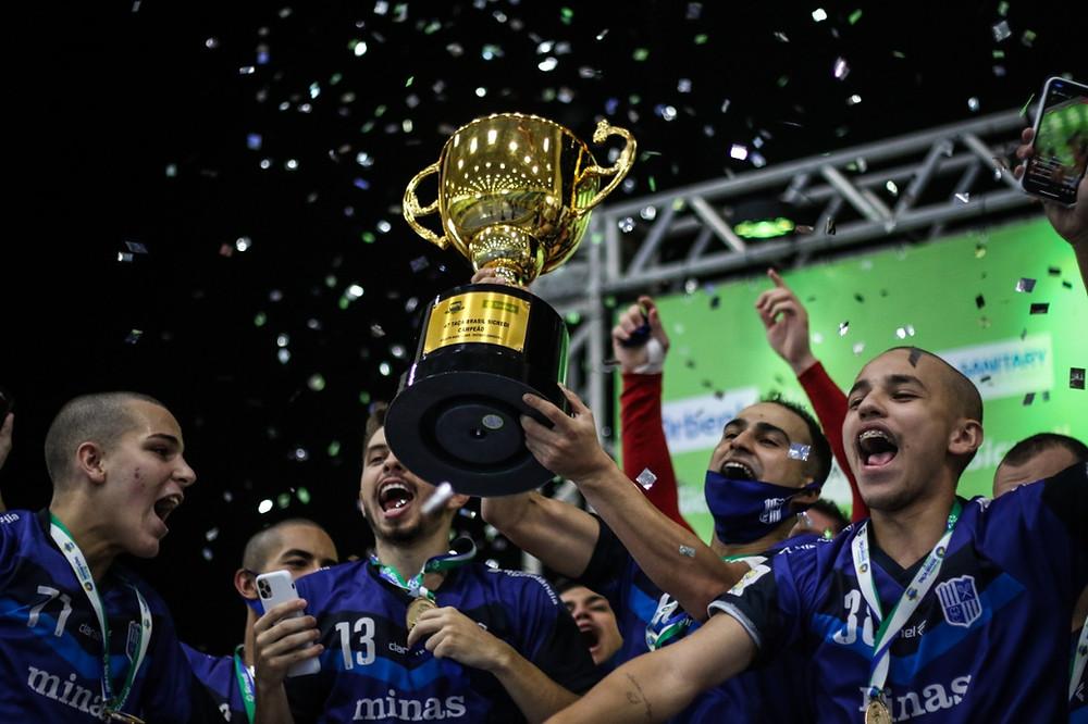 Crédito: Leonardo Hubbe - Minas Tênis Clube é Tricampeão da Taça Brasil Sicredi