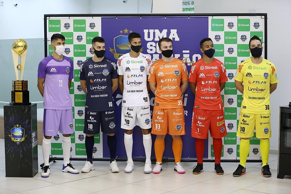 Crédito: Mauricio Moreira - Pato apresenta os novos uniformes