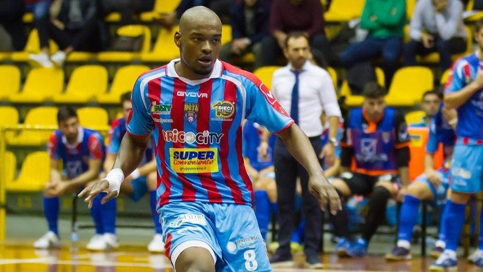 Crédito: LNFS - Ernani, novo jogador do Fútbol Emotion Zaragoza.