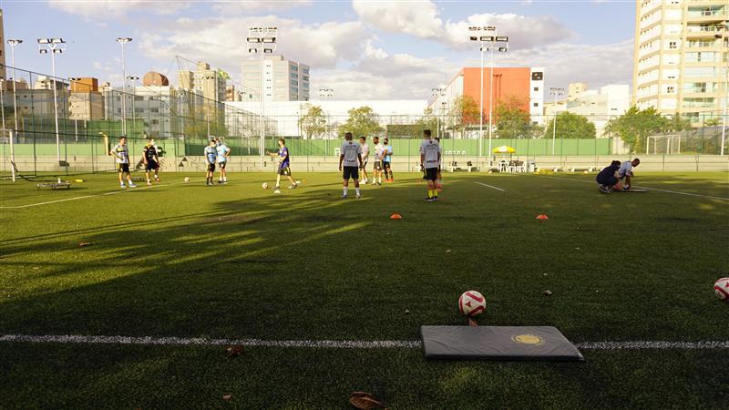 Crédito: Caio César Silva - Atividades ocorrem na área aberta do clube.