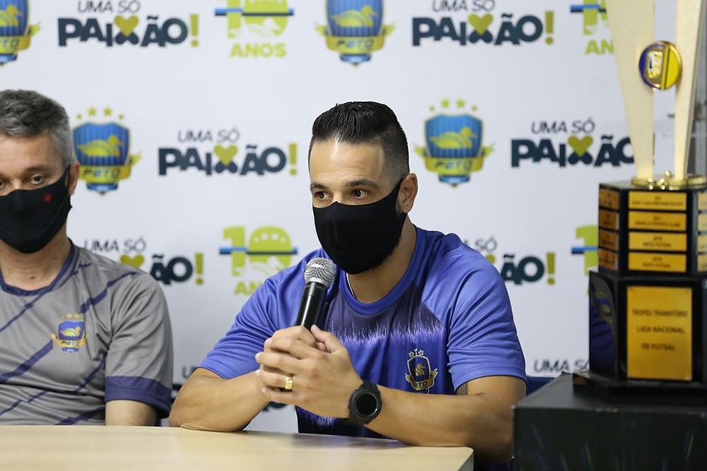 Crédito: Mauricio Moreira - Goleiro Gian Wolverine chega ao Pato