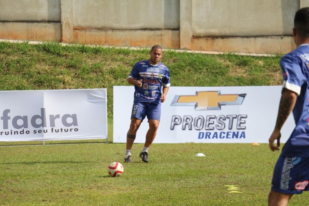 Crédito: Assessoria Intelli Tempersul - Atividades aeróbicas e com bola tem sido frequentes para apurar o condicionamento físico dos jogadores