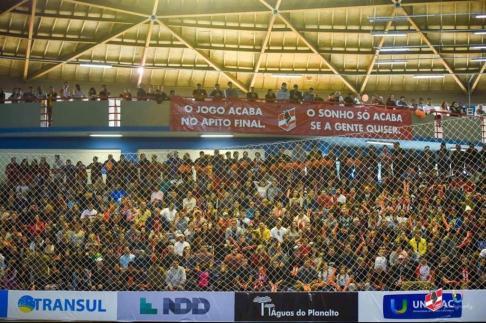 Crédito: From Conradi - Ginásio de Lages em dia de jogo das Leoas da Serra.