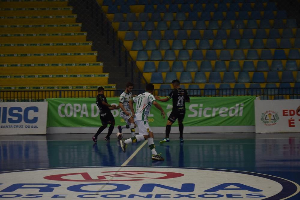 Crédito: Roni Muller/Assoeva Futsal - Dois Vizinhos sai na frente diante da Assoeva