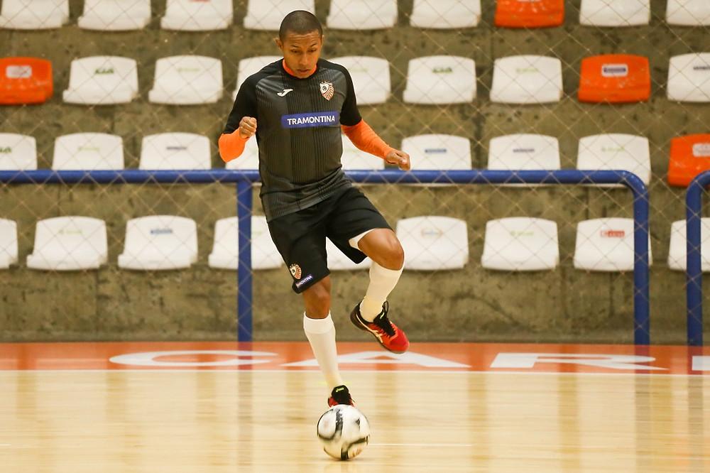 Crédito: Ulisses Castro - ACBF, do ala Bruno Souza, voltou aos treinos nesta segunda-feira
