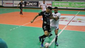 Dois Vizinhos quebra invencibilidade do Ceará em 1ª decisão da Copa do Brasil de Futsal