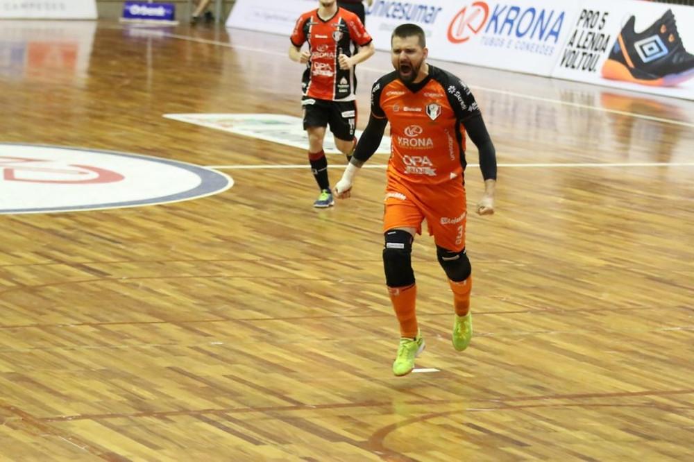 Crédito: Juliano Schmidt - Willian foi o grande destaque da vitória do Joinville sobre a ACBF